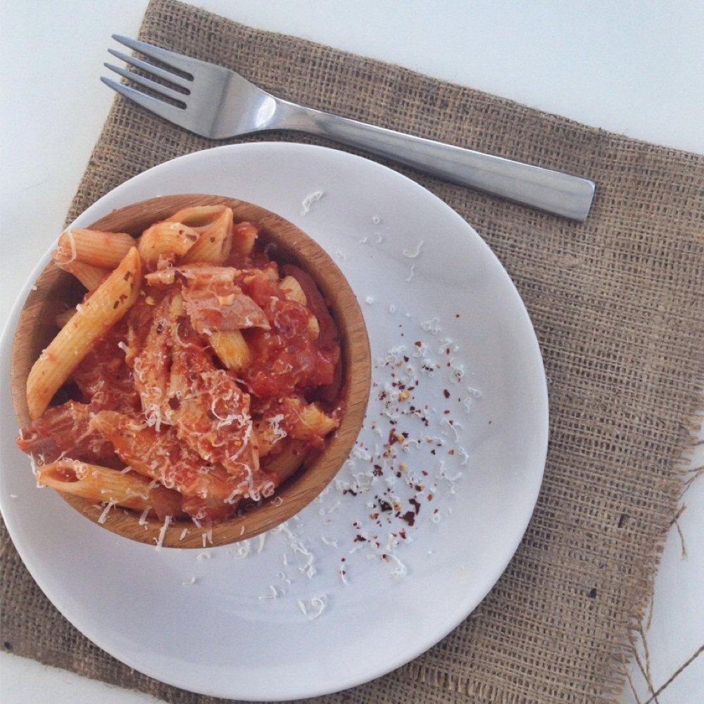 Amatriciana pasta - gorgeous bacon pasta recipe