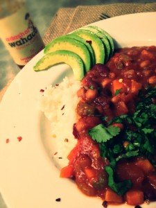 slow cooker vegetarian chilli recipe, vegan family recipe, avocado, wahaca chilli sauce
