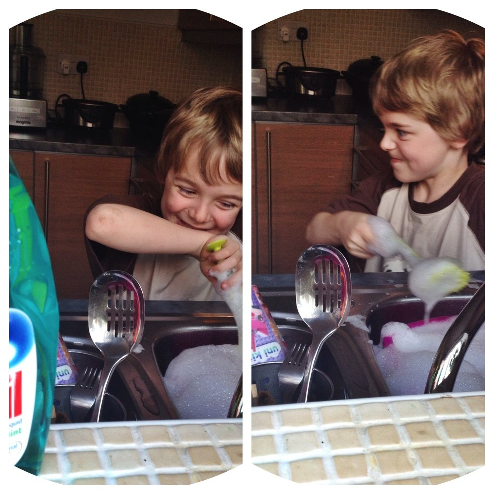 washing up with Persil, persil washing up liquid, persil cook with the kids promise