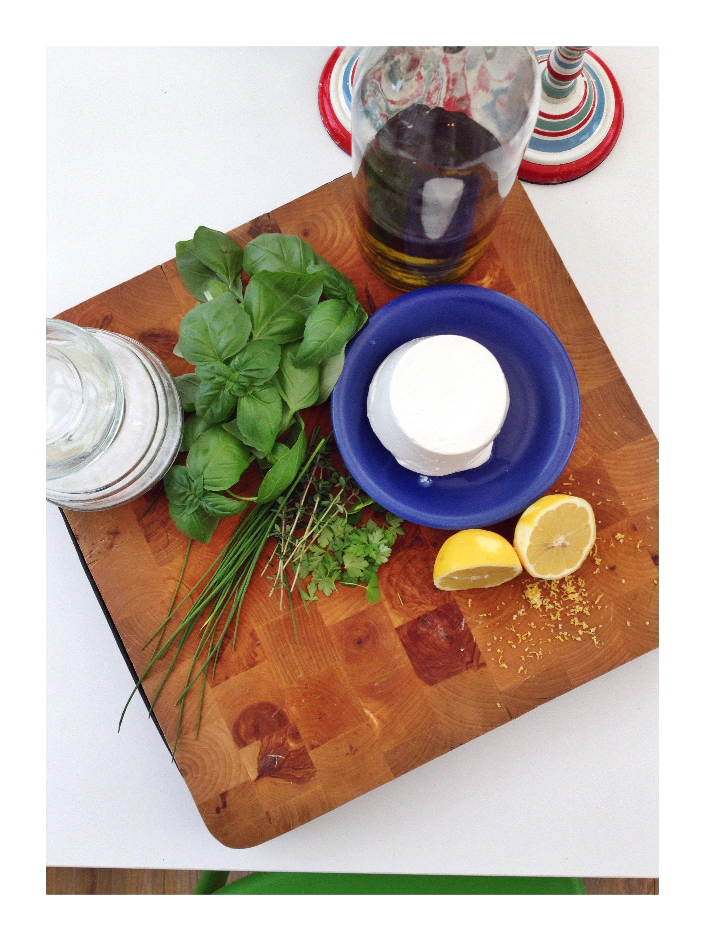 Lemon & herb ricotta dip