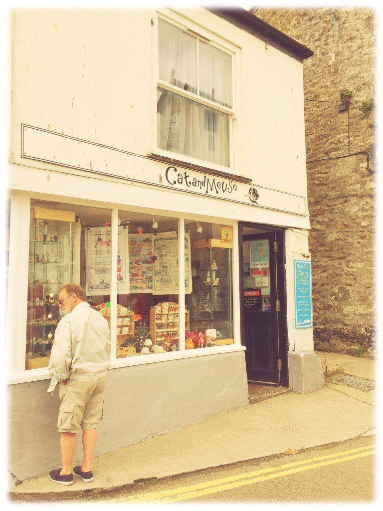 Cat & Mouse gift shop Mouseholes, Mouseholes fishing village Cornwall, Cornish fishing villages, places to visit in Cornwall, things to do in Cornwall, Cornish pasties, Daisies & Pie, daisies and pie