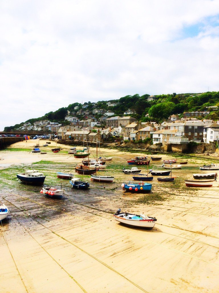 Mousehole harbour, fishing harbour cornwall, Mousehole Cornwall, fishing boats at low tide Cornwall, Days out in Cornwall, Places to visit in Cornwall, picturesque Cornish fishing village, Daisies & Pie, Daisies and Pie,