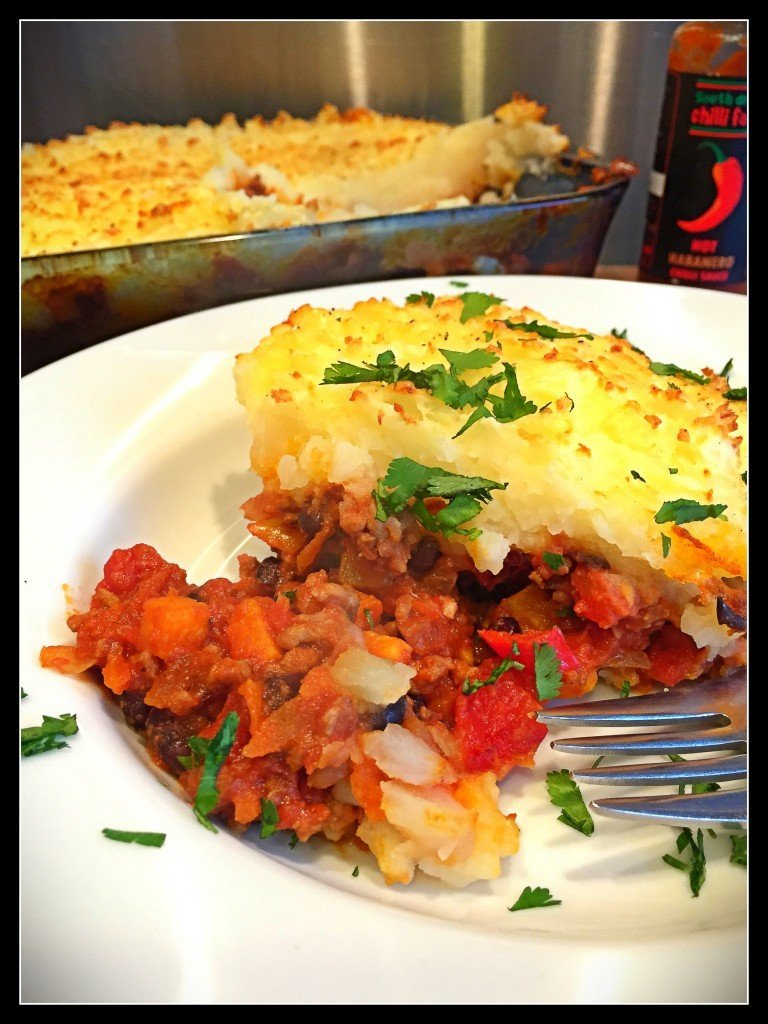 Mexican Shepherd's Pie, Mexican Shepherd's Pie recipe, fusion comfort food, things to make with beef mince, easy family dinner, daisies and pie