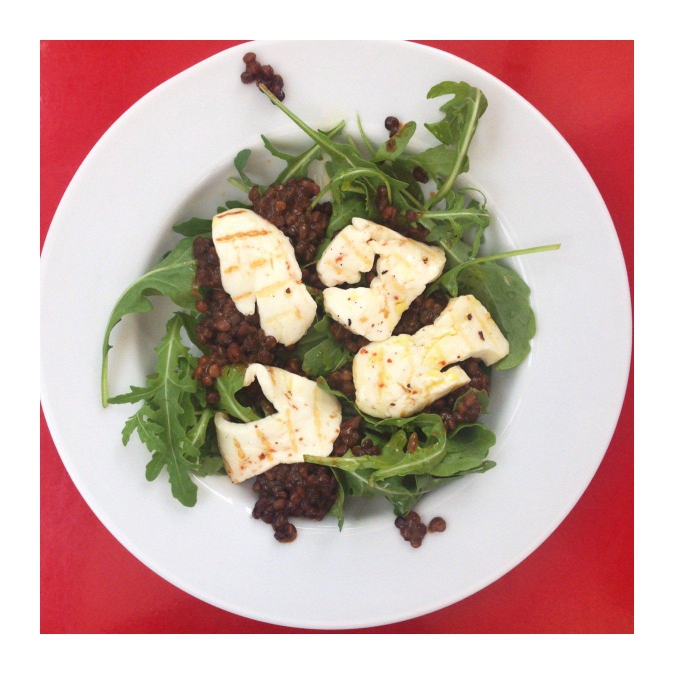 Halloumi and lentil salad