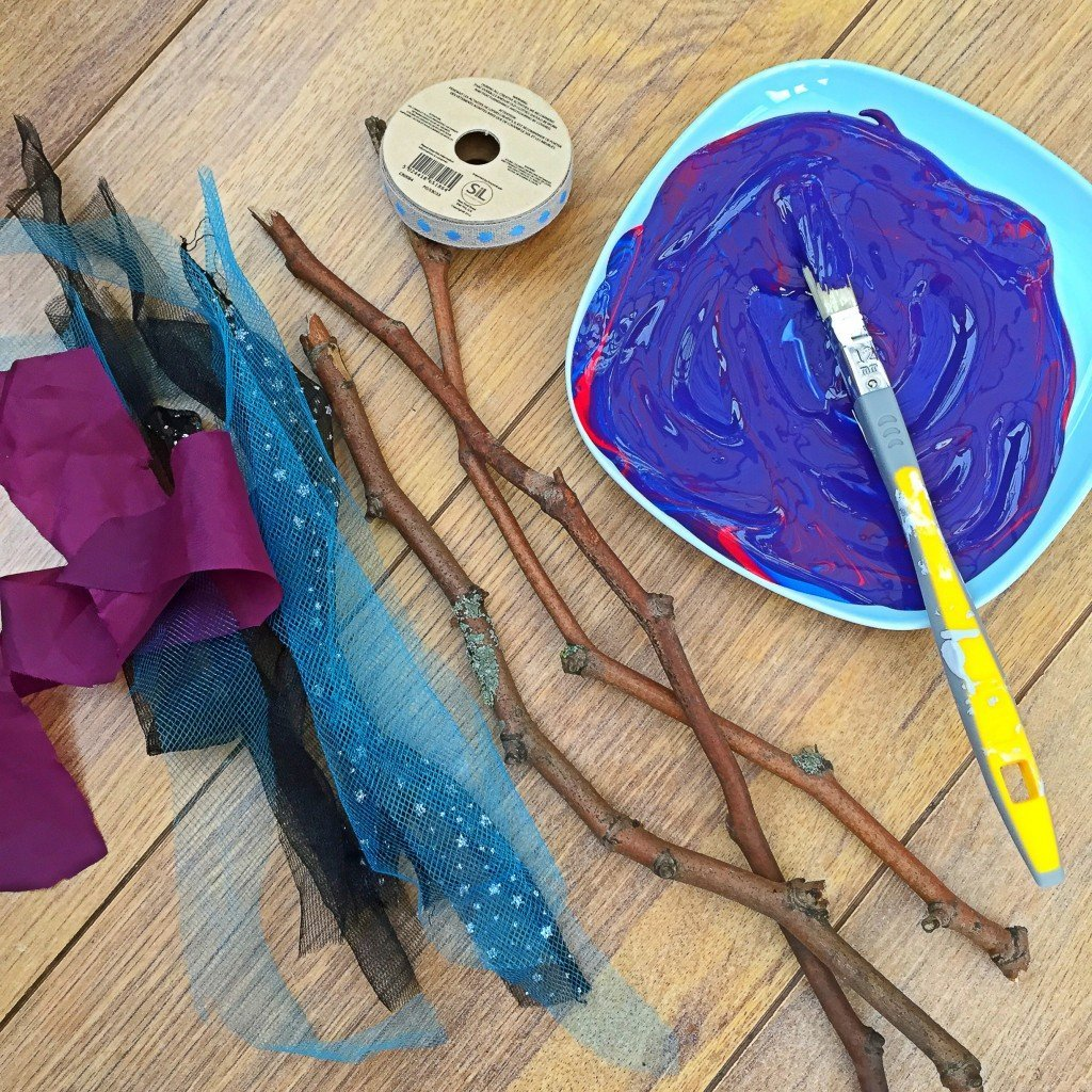 how to make a witches wand, how to make a magic wand, instructions for making magic wands, halloween activity for kids, kids halloween craft, daisies and pie