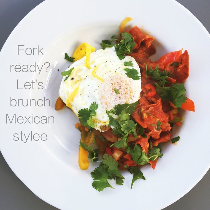 Mexican Brunch Recipe, Mexican style brunch with chorizo and eggs, easy family food from daisies and pie
