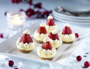 Santas Cheesecakes recipe, christmas desserts, christmas from daisies and pie