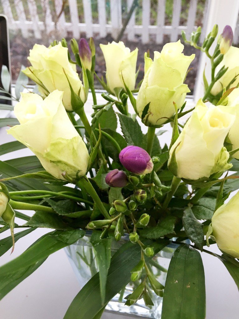 serenata flowers, online delivery of flowers, twilight bouquet, winter flowers, daisies and pie