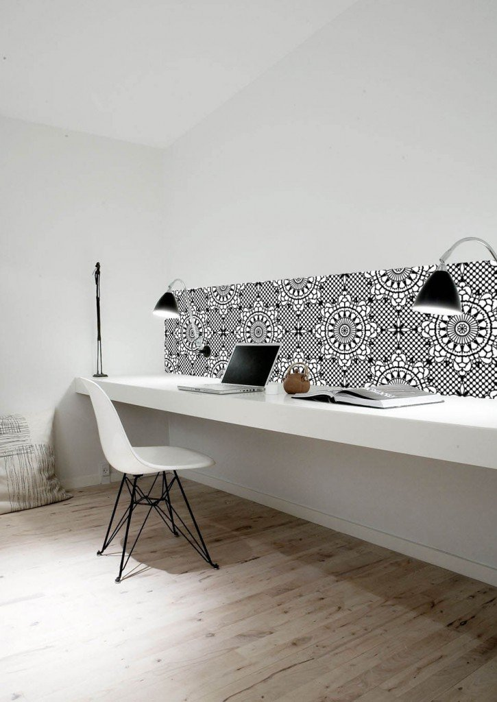Home office decorated in Kitchen Walls wallpaper in black and white floral pattern, pvc water and heat resistant wall coverings, homestyle from daisies and pie