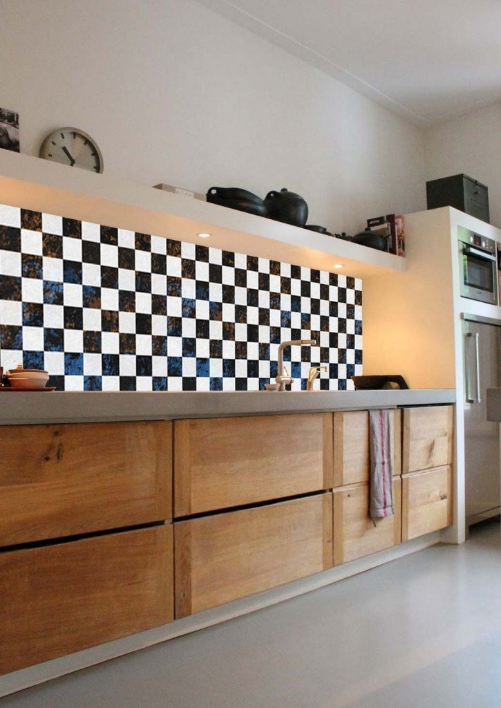 Kitchen Walls wallpaper in checker print, pvc wall covering that is water and heat resistant, homestyle from daisies and pie