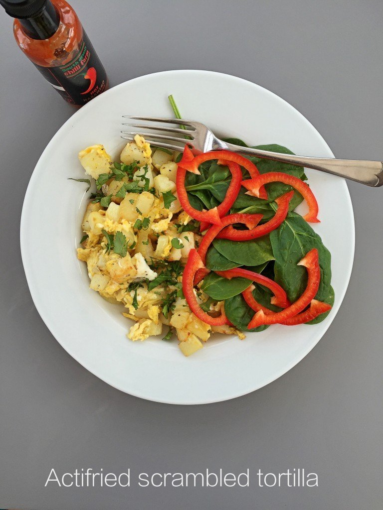 actifried scrambled tortilla made with the Tefal Actifry Family, easy family food from daisies and pie