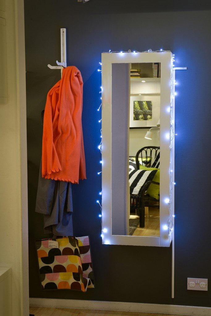 IKEA fairy lights, IKEA BRIMNES mirror with storage, decorating with fairy lights, family home style, daisies and pie