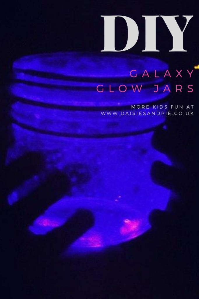 "galaxy jars glowing in the dark. Text ""DIY galaxy glow jar - more kid crafts www.daisiesandpie.co.uk"""