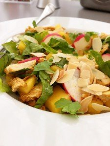 chicken tikka and mango salad recipe, easy family food from daisies and pie
