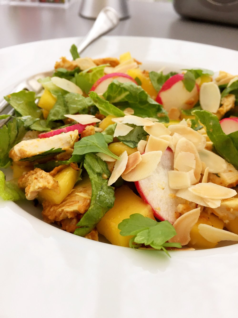 Quick chicken tikka and mango salad