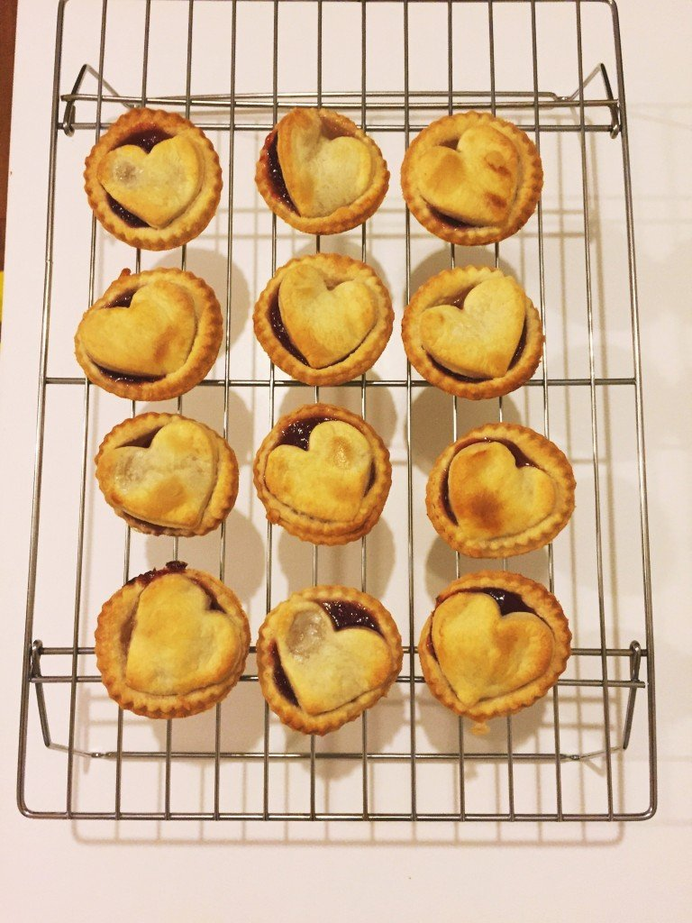 how to make easy jam tarts, cooking with kids from daisies and pie