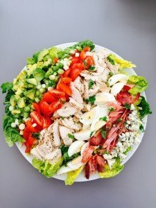 Cobb salad recipe, cobb salad ingredients, what goes in a cobb salad, chicken salad recipe, summer food, easy family food from daisies and pie