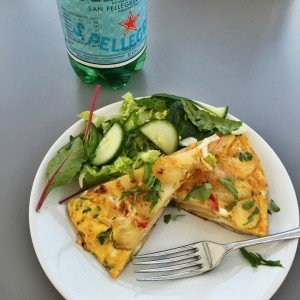 Spanish tortilla recipe, how to make Spanish omelette, easy family food, easy weeknight meals, easy family food from daisies and pie