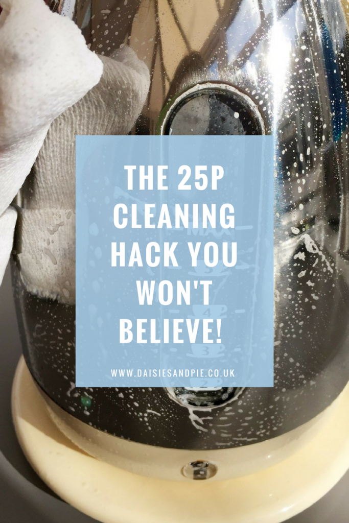 The amazing 25p cleaning hack you won't believe just how good this is!  Homemaking tips from Daisies & Pie