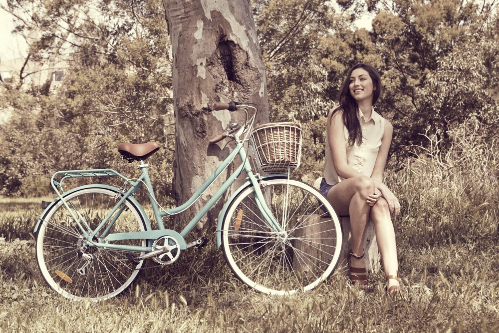 mango bikes ladies classic, ladies bikes, stylish cycling, bike with wicker baskets, stylish city bikes