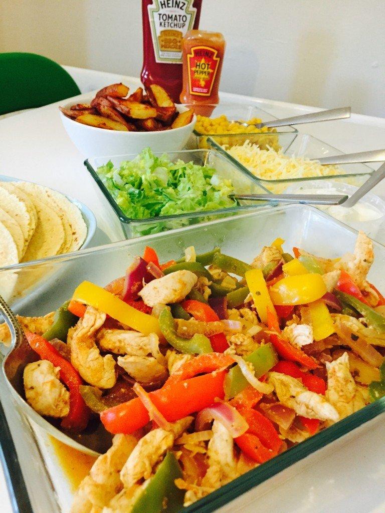 chicken fajita recipe, fajita recipe, how to make fajitas, UK food magazine, UK family food, easy family food from daisies and pie