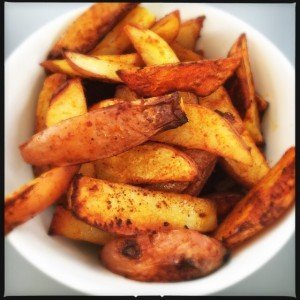 perfect potato wedge recipe, how to make amazing potato wedges, uk food magazine, uk family food, easy family food from daisies and pie