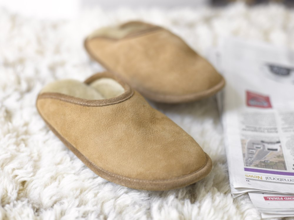 loaf loule slippers, sheepskin slippers, autumn accessories from daisies and pie