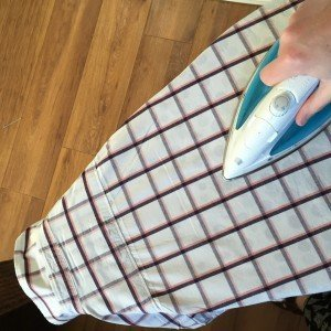 how to iron a shirt, laundry tips, uk laundry tips, homekeeping, uk homemaking tips, homekeeping from daisies and pie