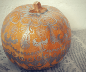 no carve pumpkin decoration ideas, metallic pumpkin decorations, easy pumpkin decorating ideas, halloween party decorations