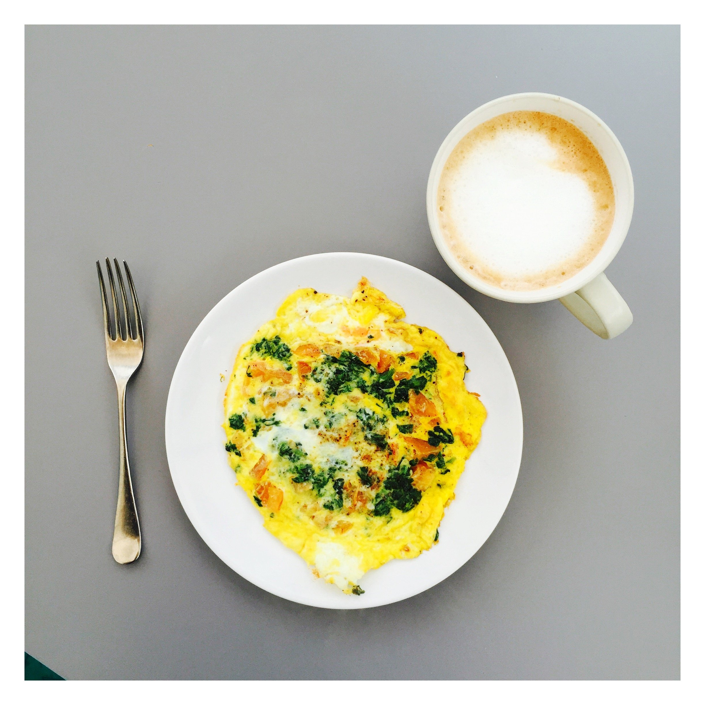 breakfast omelette, vegetables for breakfast, easy tomato omelette, quick meal ideas, easy family food from daisies and pie