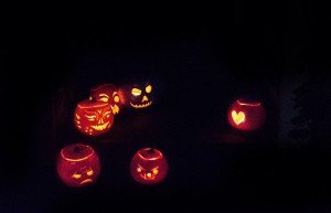 pumpkin parade, pumpkin display, halloween party decorations