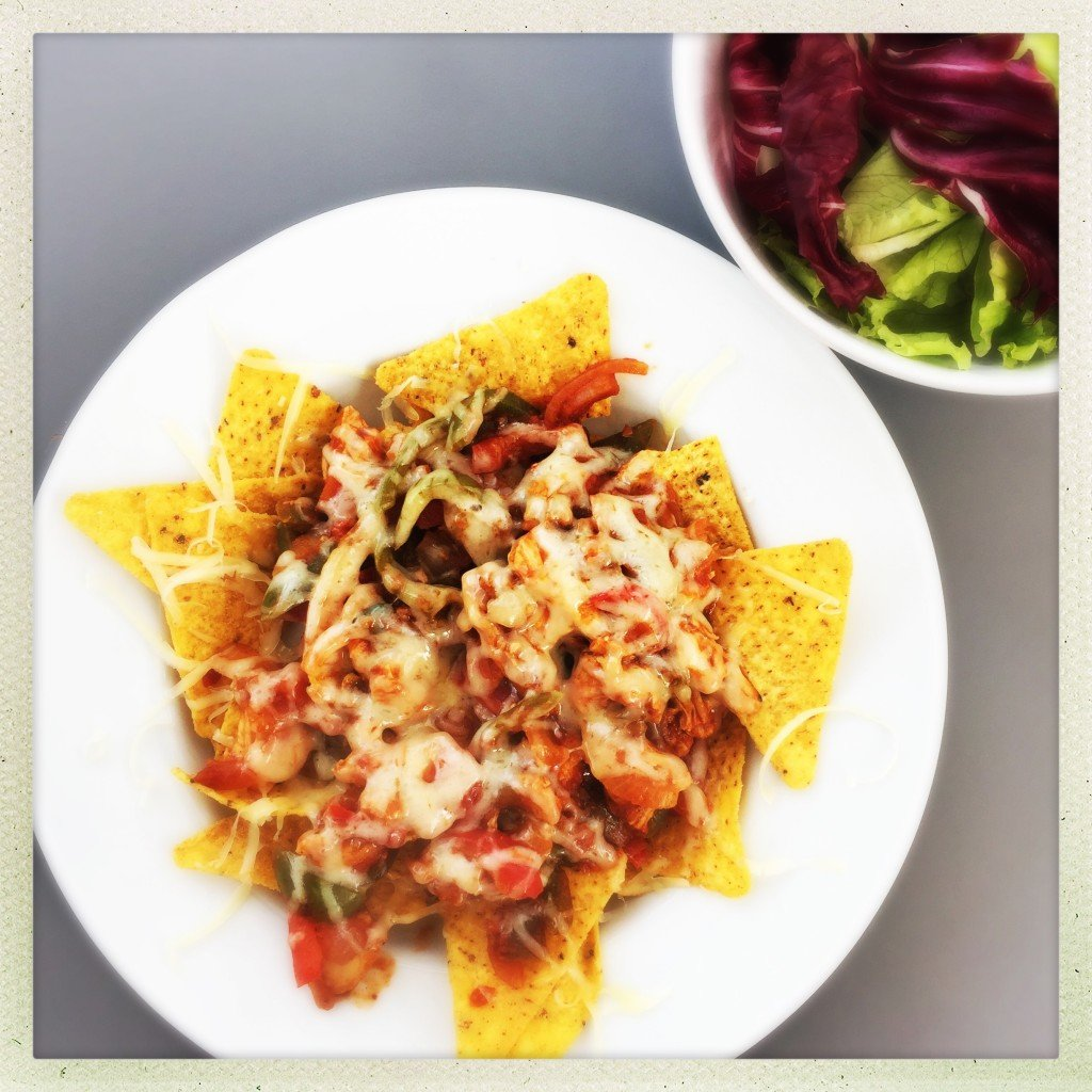 chicken chili nachos, movie night snack, mexican chicken recipe, easy family food