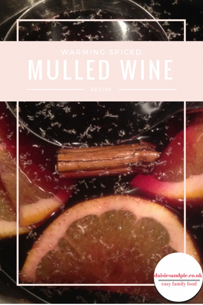 mulled wine recipe, simple warming spiced mulled wine recipe, festive alcoholic drinks, christmas drinks