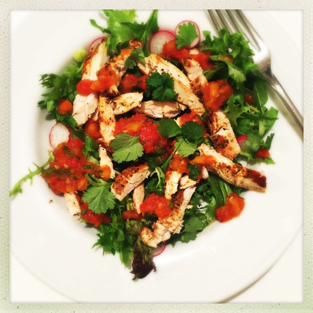 warm mexican chicken salad recipe, fat free salad dressing, roast pepper dressing, easy family food from daisies and pie