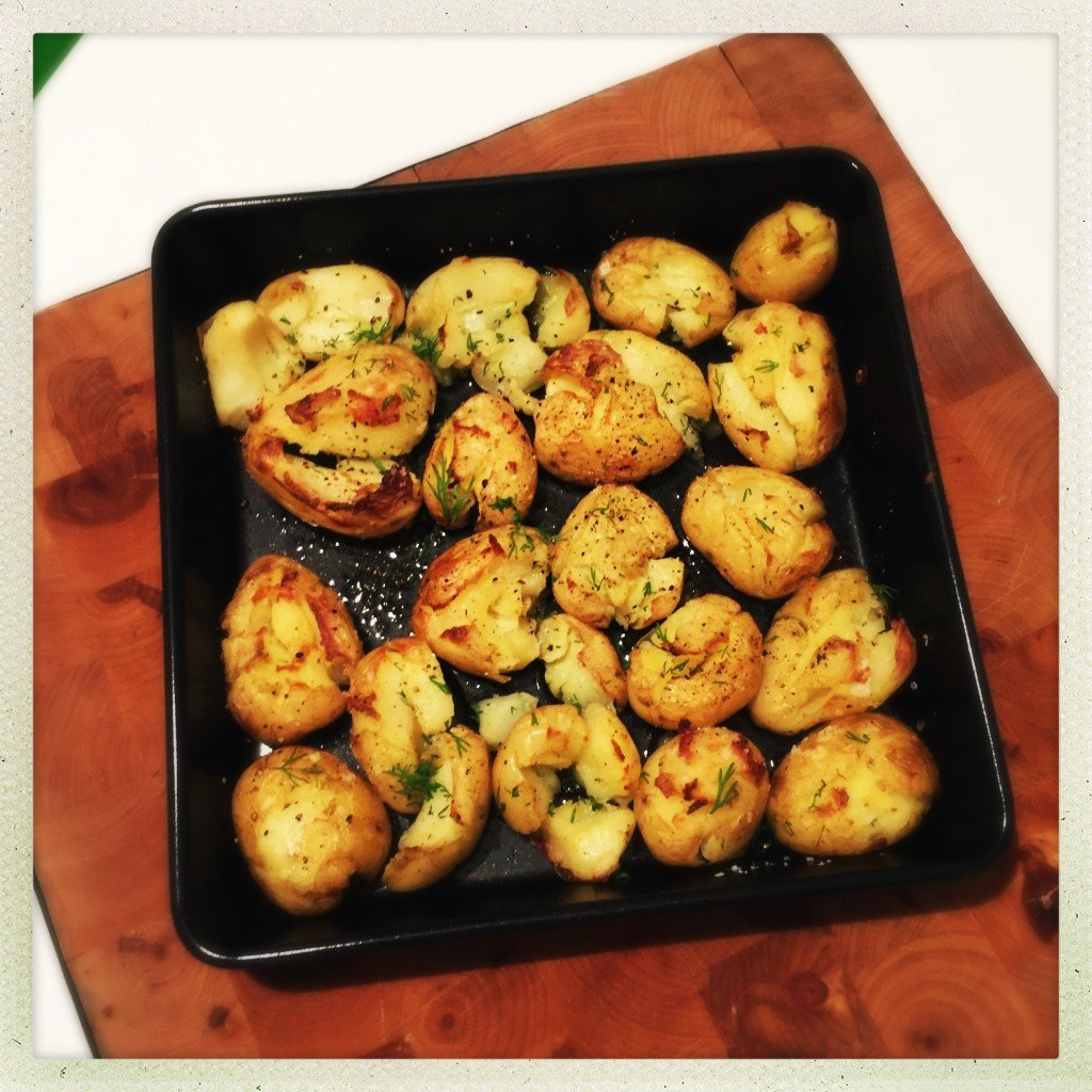 smashed baby roast potatoes, baby roast potato recipe, smashed potato recipe, easy family food from daisies and pie