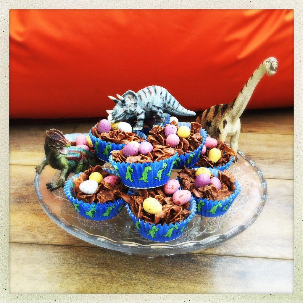 chocolate egg nest cakes, cornflake cake recipe, dinosaur chocolate egg cakes, dinosaur party food, easy family food from daisies and pie