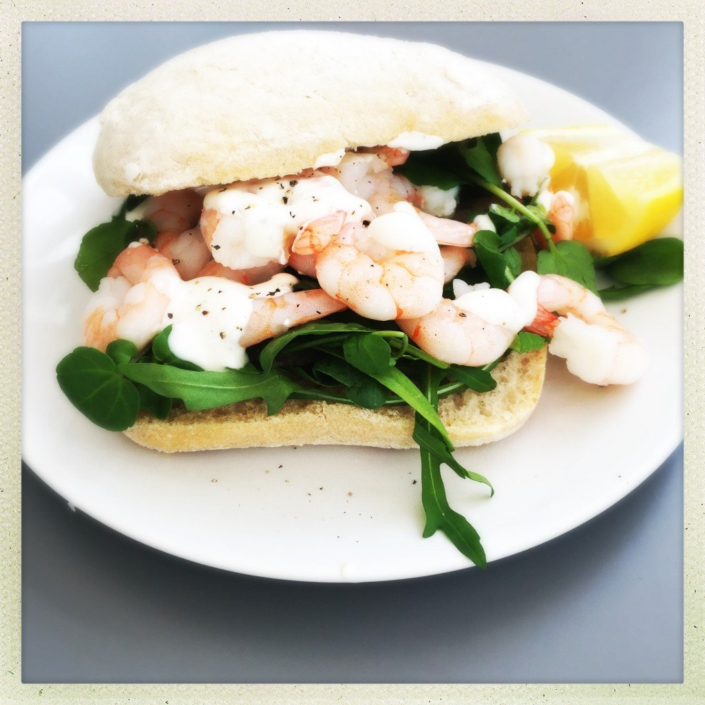Healthy prawn sandwich with lemon yogurt dressing