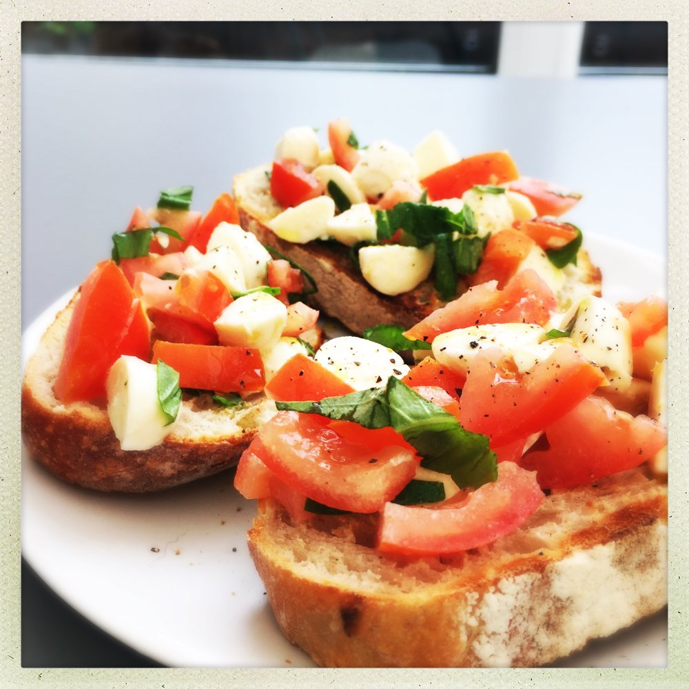 caprese bruschetta recipe, what's in caprese salad, how to make bruschetta, easy family food from daisies and pie