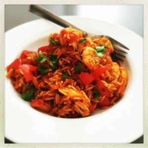 easy spanish rice recipe, cheat's spanish rice, quick chicken and prawn recipe, chorizo rice, easy family food from daisies and pie