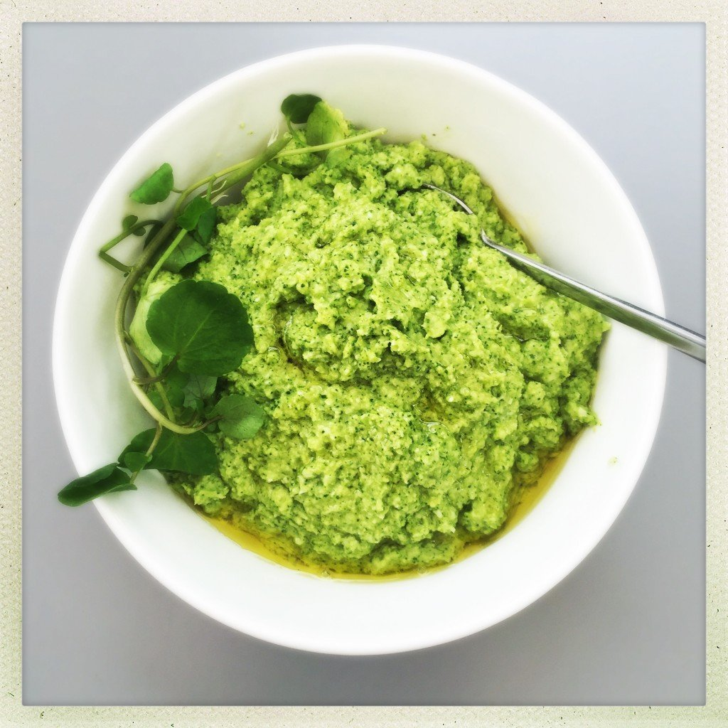 how to make broccoli pesto, things to make with broccoli, homemade pesto recipe, easy family food from daisies and pie