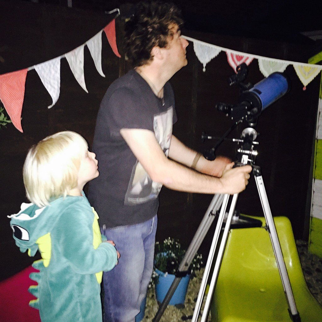 self care activities - star gazing in the garden with the kids