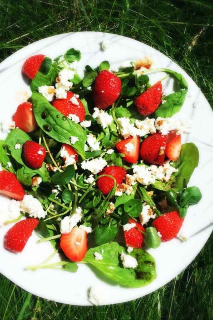 summery salad idea - strawberry and feta salad with watercress and balsamic vinegar dressing