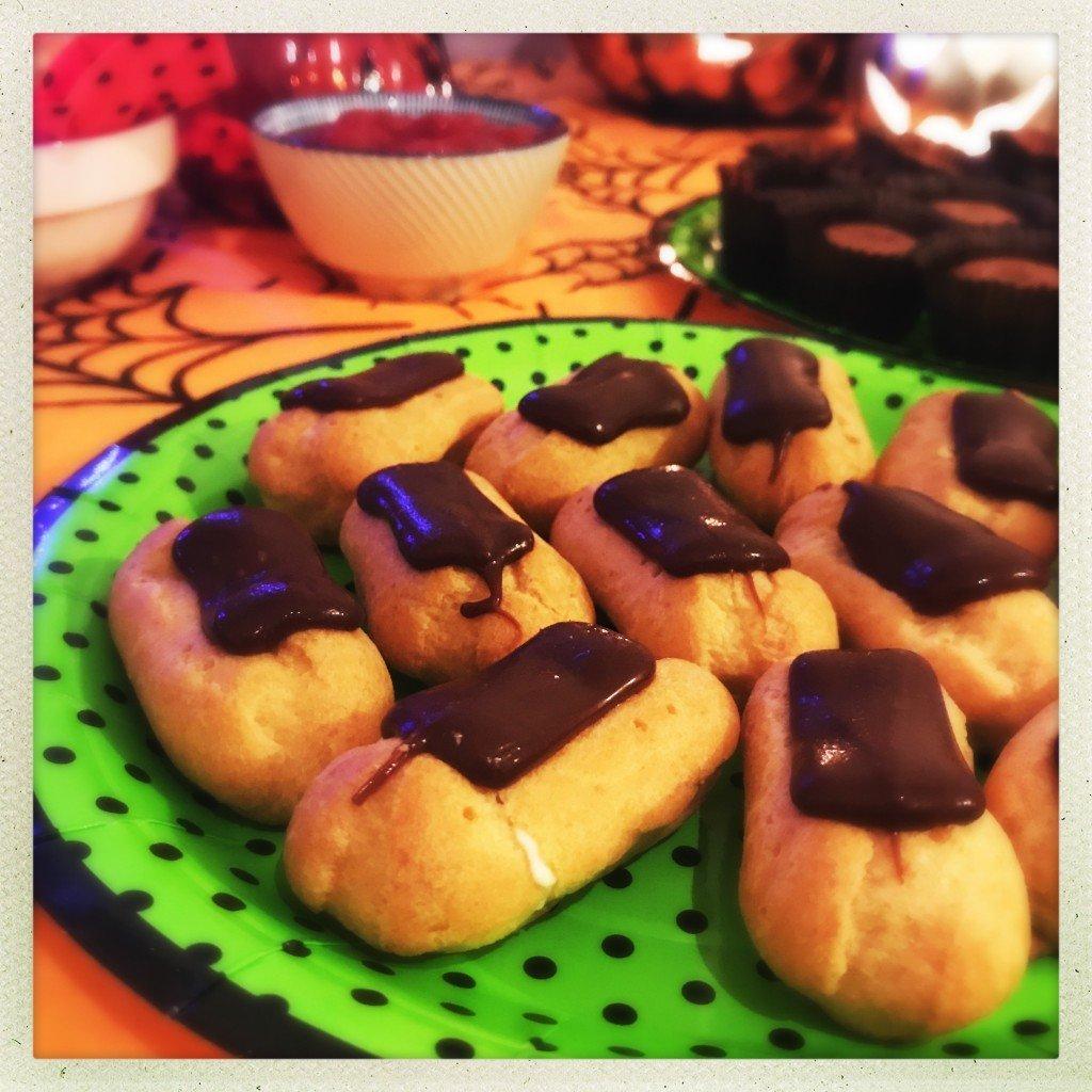 iceland-mini-chocolate-eclaires