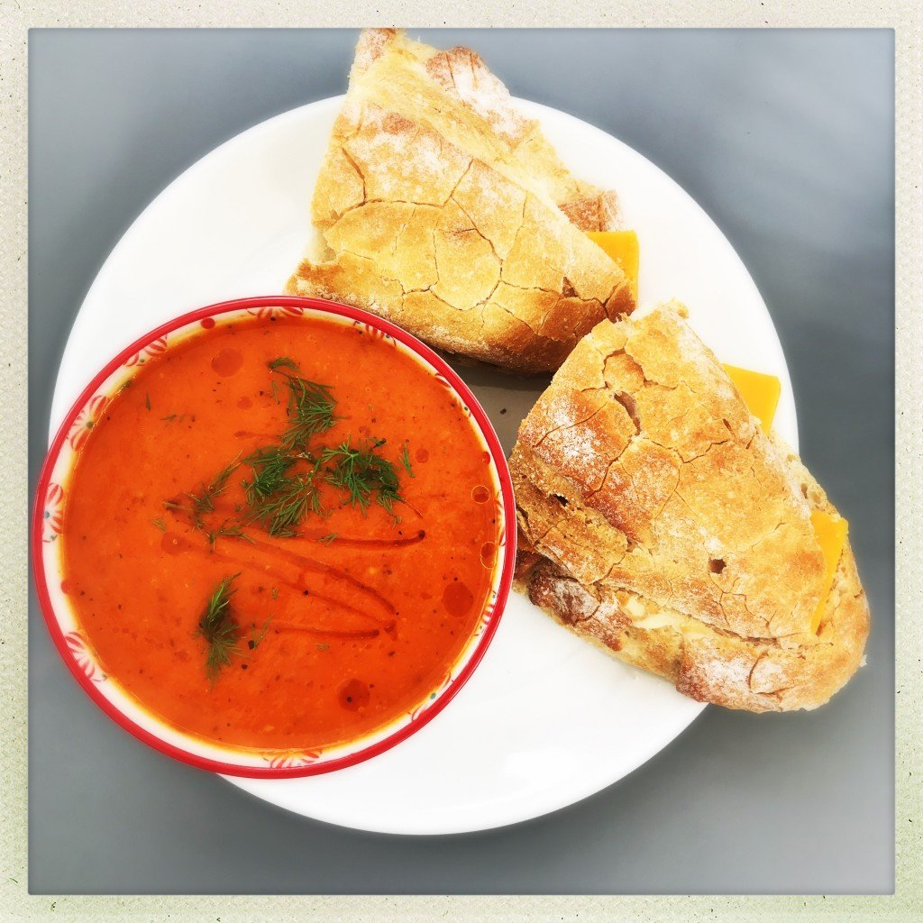 roast red pepper and tomato soup with cheese rolls, easy family food from daisies and pie