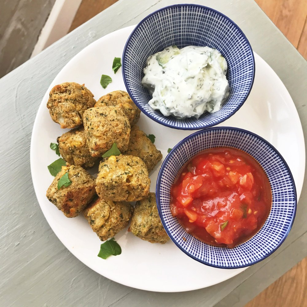 Quick and easy Falafel and dips, Easy Vegetarian Dinner recipes, easy family food from daisies and pie