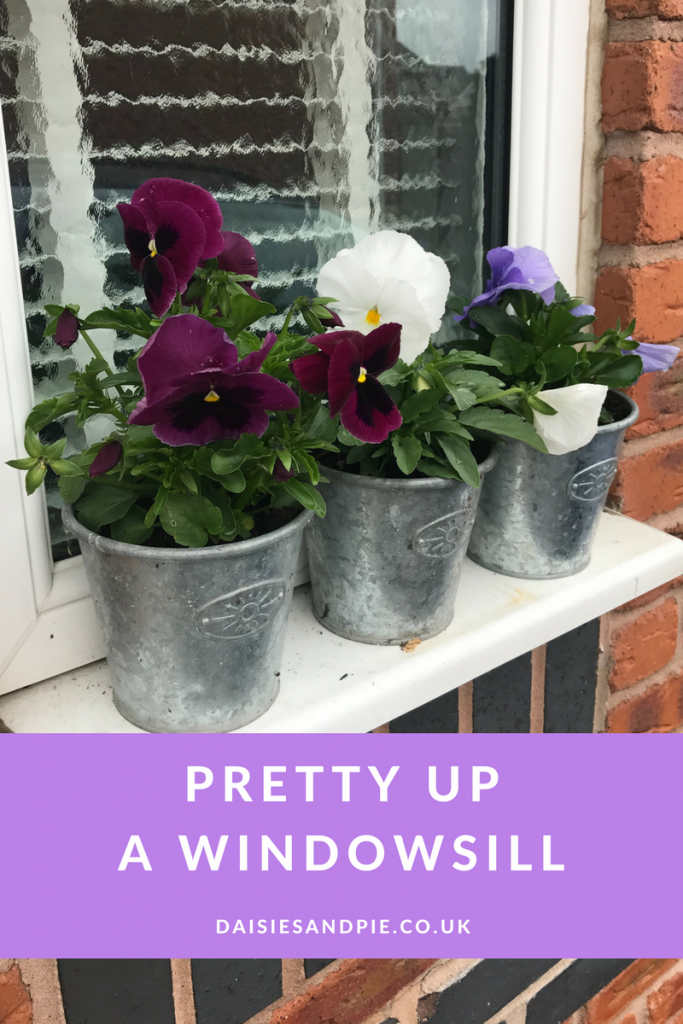 How to pretty up a windowsill, easy homemaking project, making entrance way pretty, homemaking tips