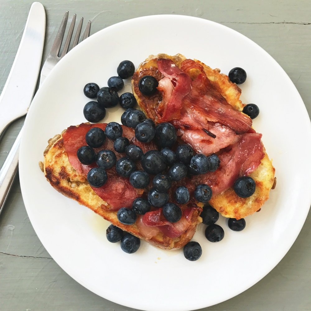 French toast with bacon and blueberries with maple syrup, brunch recipes