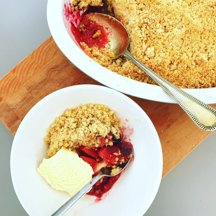 easy apple and blackberry crumble served with ice cream