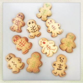 halloween gingerbread men - decorated with icing in shape of skeletons