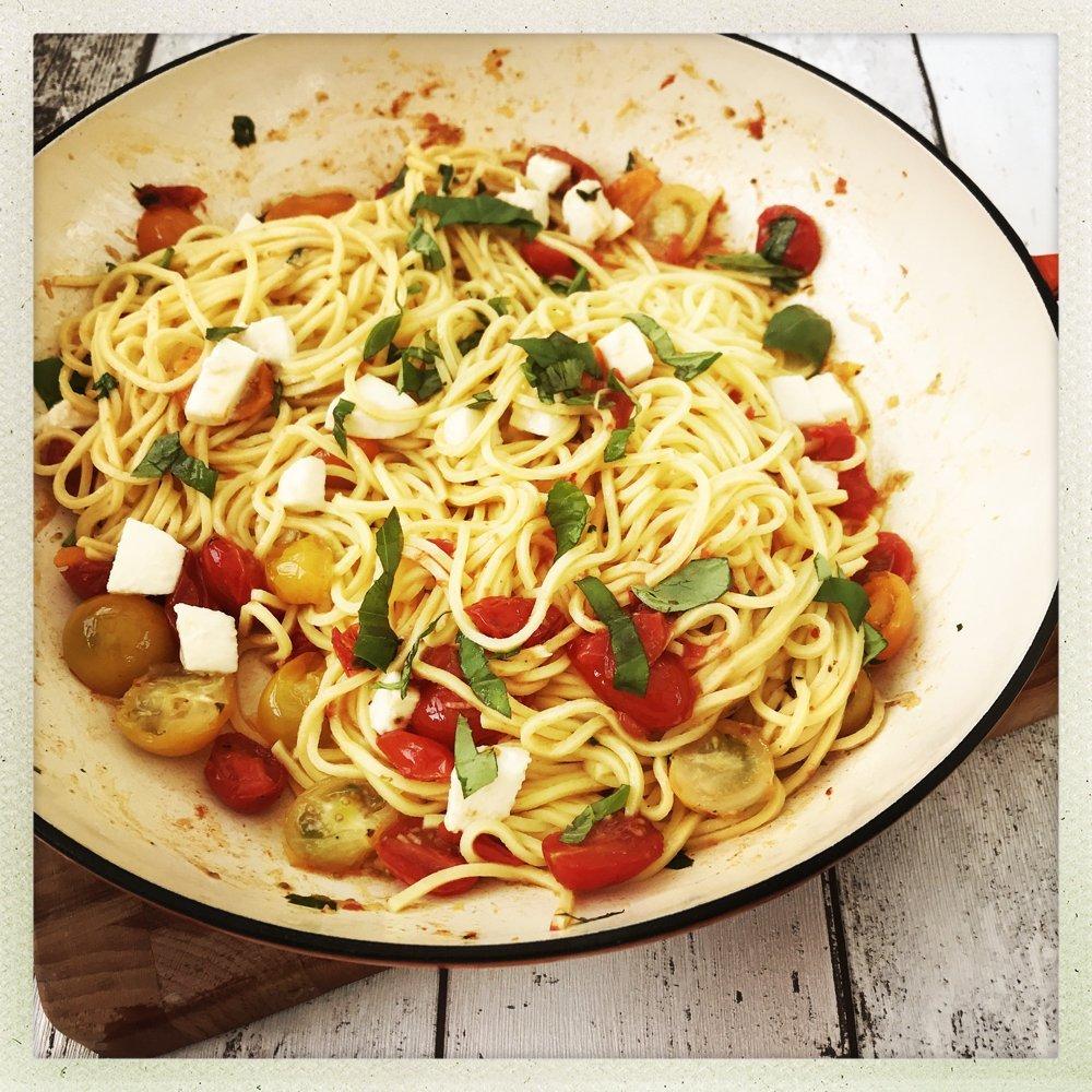 enamel pan filled with spaghetti margherita.